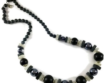 Vintage Blue Beaded Necklace, Retro Blue Beaded Necklace, Vintage Jewelry, Vintage Blue Bead, Vintage Long Blue Beaded Necklace