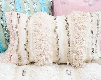 THE ROOMERY Moroccan Wedding Blanket Cushion, Handira Cushion/Pillow Cover