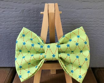 Green Argyle Dog Bow Tie With Stars