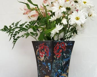 Medium Metal Vase BRONZE - from CAMPAGNE Collection
