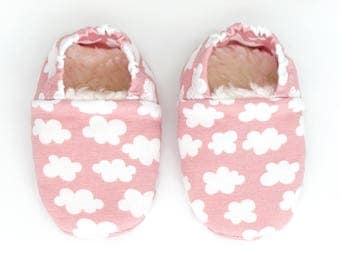"Babies & Minis * Winter edition * ""Clouds""-cute baby shoes made of fabric in the cloud pattern in pink with lined sole-toddlers shoes for babies"