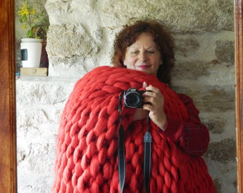 Oversized Кnit Blanket. Wool Chunky Arm Knit Throw. Giant Red Throw Blanket. Wool Knit Rug.  Housewarming gift. Wedding gift. Christmas gift