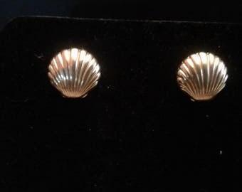 Avon Scallop Shell Earrings