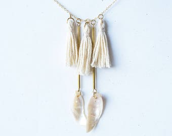 "Necklace with tassels - ""Tupsu"" - white"