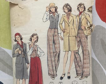 Butterick sewing pattern. Size 16. 1970s suit.