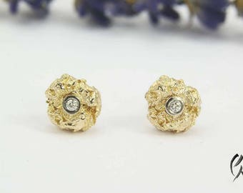Stud Earrings Gold 585/-with brilliant, crumpled ball