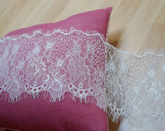 3 m * 16cm white offwhite lace chantilly lace fringe Ref. 2212