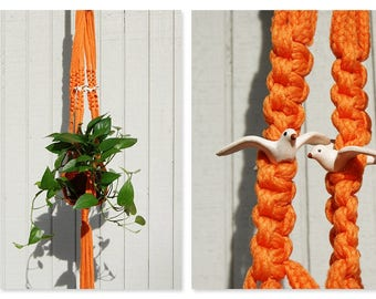 1970s Macramé Plant Hanger ⎮ Vintage Orange Plant Holder ⎮ Long Handmade Hanging Plant Holder ⎮ Boho Home Decor Fiber Art