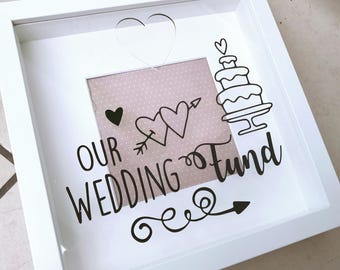 Beautiful wedding saving frame
