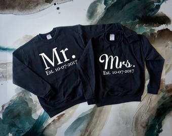 Future Mrs and Mr Crewneck// Custom your date// . Bride and Groom Crewneck. Wedding  Honeymoon Outfits. Bride and Groom Gifts. Wedding Gift.