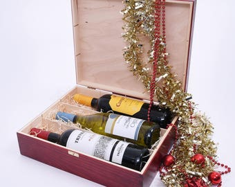 Triple Wine gift box. Wooden Wine Box. Wine Gift Box. Triple wine box. Triple Presentation box. Wine box with metal clasp or ropehandle.