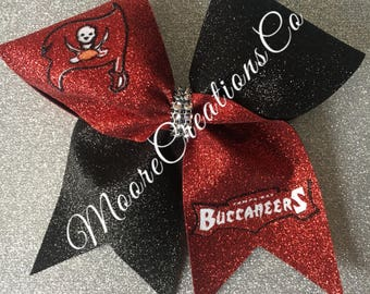 Tampa bay buccaneers cheer bow
