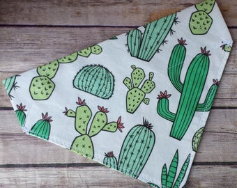 Cactus Dog Bandana / Green Cat Bandana / Puppy Bandana / Over the Collar / Dog Lover Gift / Succulent Dog Bandana / Desert Dog Neckerchief