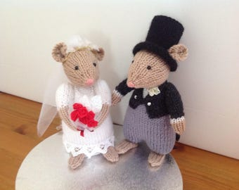 knitted mice wedding cake toppers wedding mice and groom knitting patterns 16653