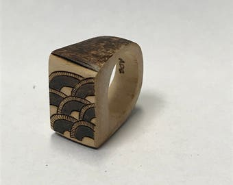 Handmade wooden ring - handburning
