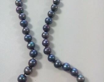 natural Baroque pearls, black