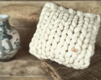 Chunky knit pillow/cushion/decorative pillow 100% undyed's living natural Merino Wool, 40 x 40 cm-By Itte-Chunky knit chunky knit