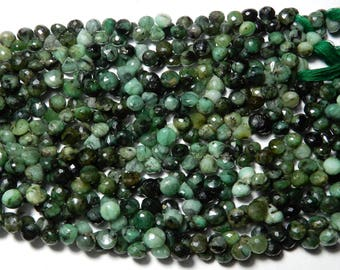 """High Quality Natural Emerald Onion Shape faceted Briolette Beads 7 MM Size AAA+++ Quality 8 """"inch Long Strand Semi Precious Beads Gemstone"""