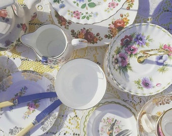 HIRE Vintage crockery full service