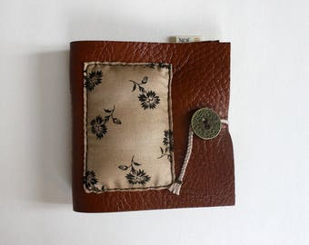 Small leather pocket for flowers sewing needed