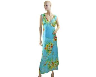 Vintage women long dress blue flowers floral