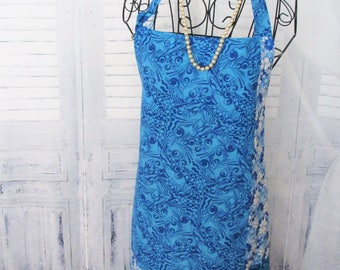 Blue/White Figured Reversible Apron with Pockets