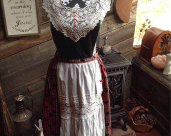 Heirloom full length hostess apron