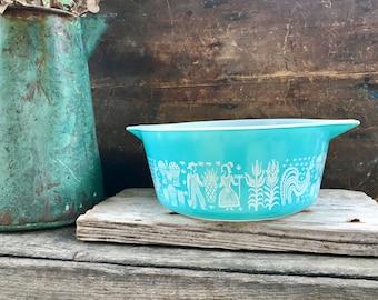 Vintage Pyrex 475-B Butterprint Amish Casserole Dish | Turquoise Pyrex With White Butterprint | Pyrex Dish | Mid Century Kitchen | 2 1/2 Qt