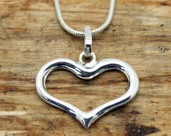 Silver Plated Open Heart Pendant with Free Chain (TP-008)