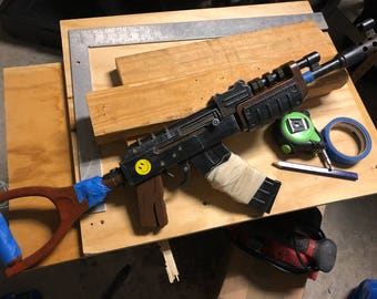Rust Assault Rifle: Printed, Painted, and ready to raid!