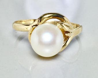 New 10k solid gold Ladies pearl ring - Promise Ring - Friendship Ring - Engagement Ring - Wedding Ring