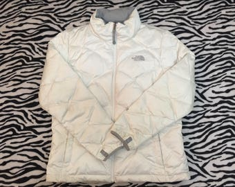 Vintage The North Face Hoodies Puffer Jacket Goose Down 550 Embroidery Logo Femmes Moyens Snow Wear White Colour Elegent Style Protection Co