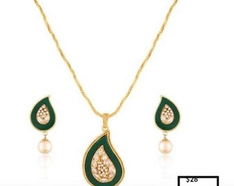 Gold plated imitation green and pearl necklace set