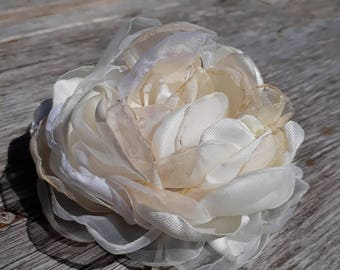 Flower Hair Clip Organza flower clip Flower Girl Hair Accessories Organza Flowers Wedding hair flowers Bridal clips bachelorette party clip