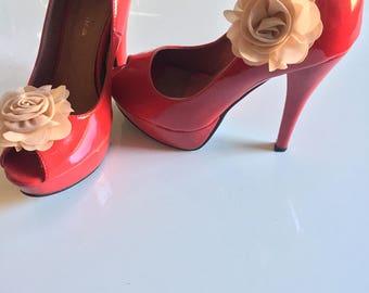 Shoe clip chiffon beige