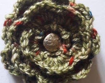 Green wool flower  brooch