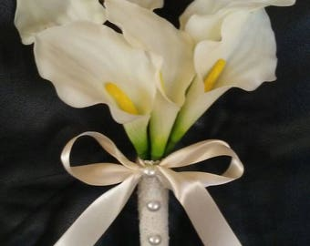 Real feel calla lily bouquet with pearl accents.