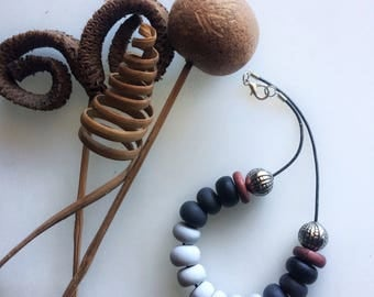 Ice necklace, smoke, black and copper