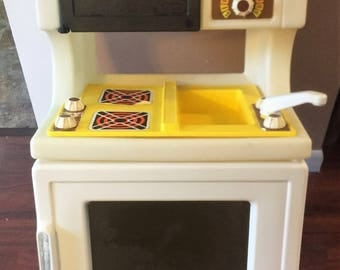 Little Tikes Kitchen Oven/sink/microwave 1986 in Excellent Condition FREE SHIPPING