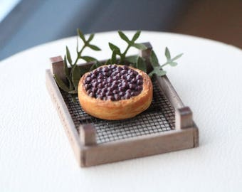 1:12 Miniature Blueberry Cakes