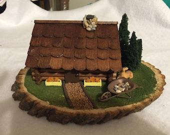 Summer cabin diorama small