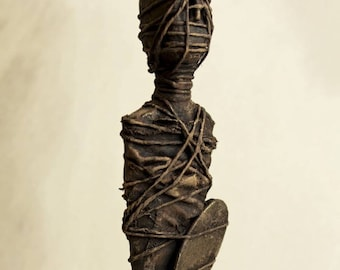 Votive mummie Staue - mixed media sculpture