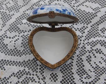 Heart Shaped Porcelain Trinket Pill box by ATB Blue and white, rose design. Great Valentines gift