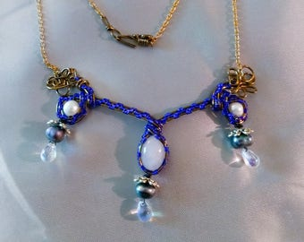 Moonstone and freshwater pearls pendant necklace