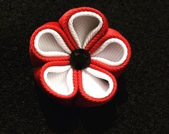Red and white Kanzashi lapel pin