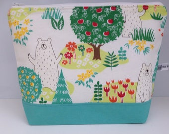 Large makeup bag, toiletries bag, washbag, large zippered pouch, bears, bears in the woods.