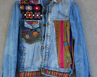 80s-90s Embroidered Jacket // Boho Jacket / BlazerVintage  Jacket, Blue  Denim Jacket,  Jeans Jacket, Trucker Jacket , Distressed Wash Denim