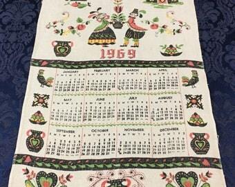 Vintage Linen Printed 1969 Calendar Tea Towel Pennsylvania Dutch Design  T43
