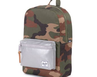 Herschel military backpack. Reflective herschel bag. Camouflage backpack. Army backpack. Army style. Military style. Herschel backpack.