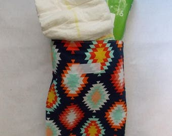 diaper pouch / diaper clutch / diaper bag / baby boy / baby girl / baby accessory / bag organizer / wipe case / diaper holder